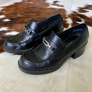 90s Chunky Black Heeled Loafers size 8.5